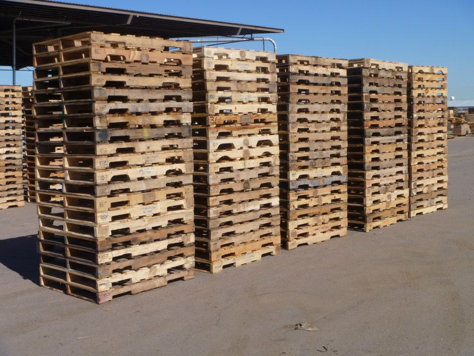 Moran lumber pallets crates tree boxes stakes lath moran for What can you make with recycled pallets